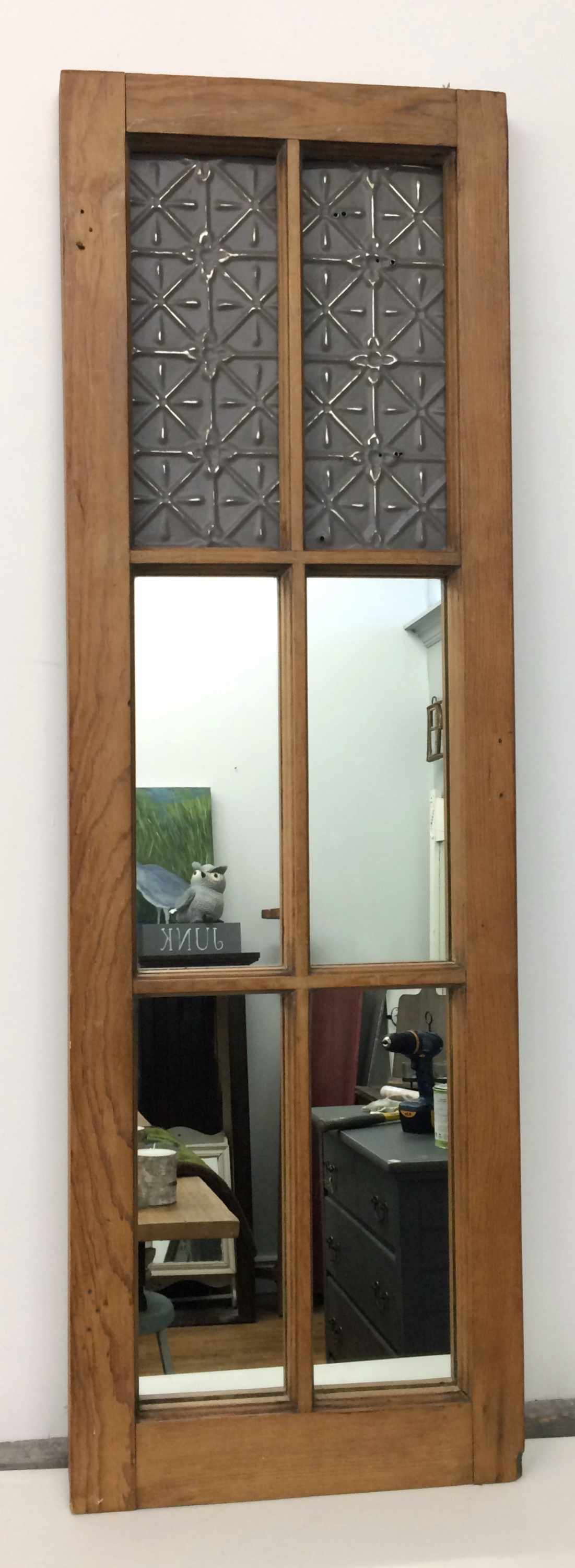 Using old window frames cottagebluehome for Using old windows as picture frames